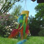 Windspiel aus Krepppapier